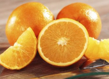 Mos pini kurrë këto ilaçe nëse keni ngrënë portokall, ja arsyeja