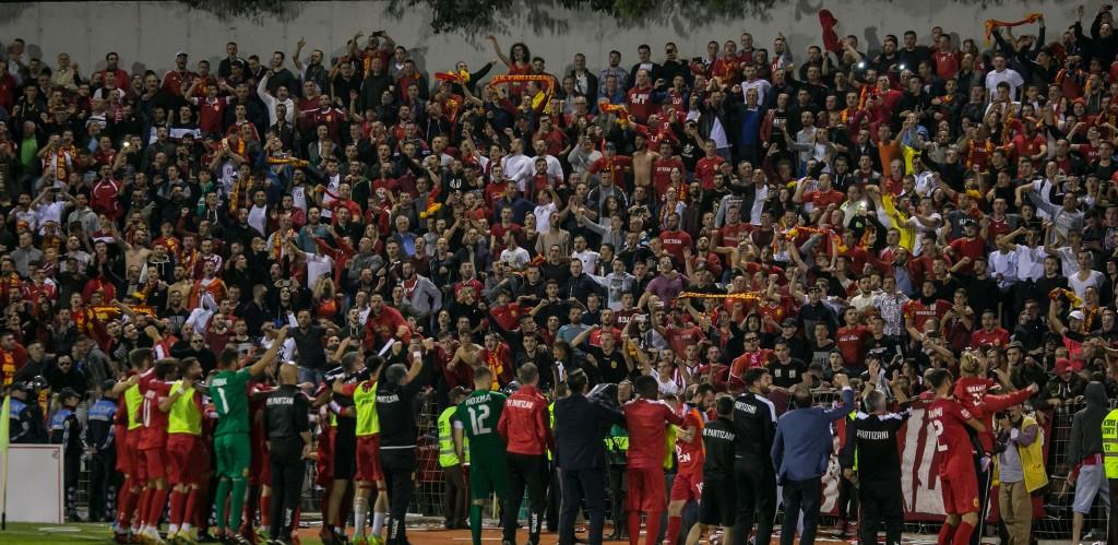 """Partizani dhe Skënderbeu bëjnë """"detyrat e shtëpisë"""", Të Kuqtë udhëheqin para ballafaqimit të madh"""