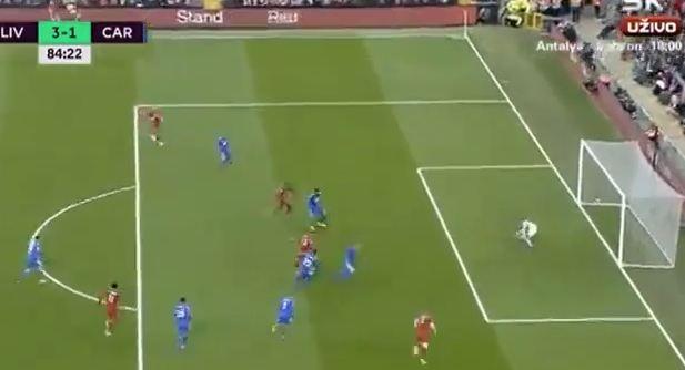 Shaqiri shënon supergol pasi driblon mbrojtjen e Cardiffit