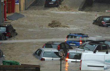 """Shkon në 10 numri i viktimave, Italia """"në gjunjë"""" nga stuhia që nuk është parë prej 50 vjetësh"""