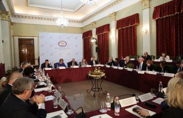 Ruçi mbledh institucionet dhe qeverinë: 2019-ta viti i negociatave, bëni detyrat!