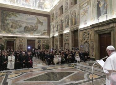Papa Françesku pret delegacionin shqiptar, vlerëson Skënderbeun