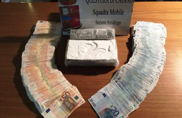 Arrestohet me drogë 49-vjeçari shqiptar, kapet me 200 mijë euro kokainë dhe shtëpinë e kthyer në laborator