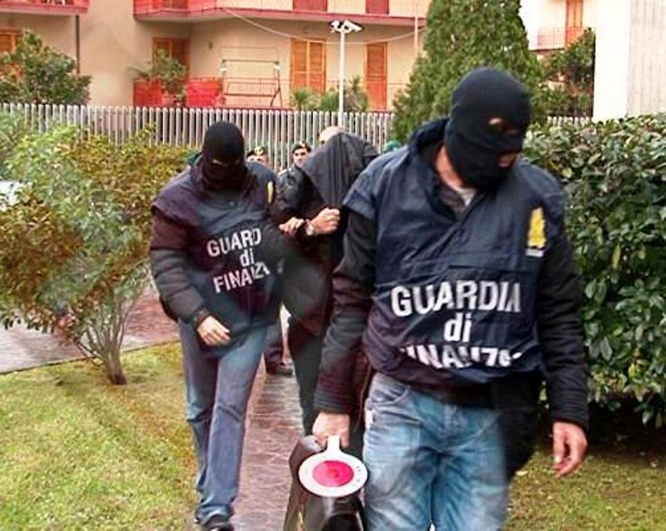 """Mafia kap bastet """"on-line"""", 68 të arrestuar në Itali dhe 1 mld euro të sekuestruara, edhe Shqipëria pjesë e rrjetit"""