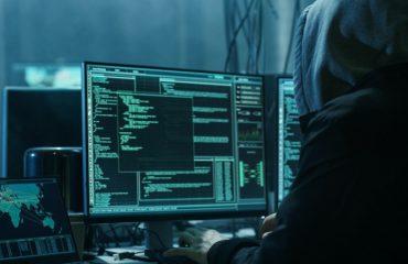 """GJERMANI/ Qindra politikanë sulmohen nga hakerët, """"viktimë"""" edhe Merkeli"""
