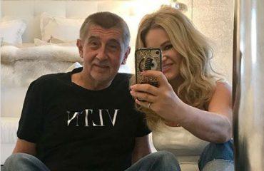 Gruaja e kryeministrit çek e pasionuar pas modës, ja si i justifikon shpenzimet për veshjet