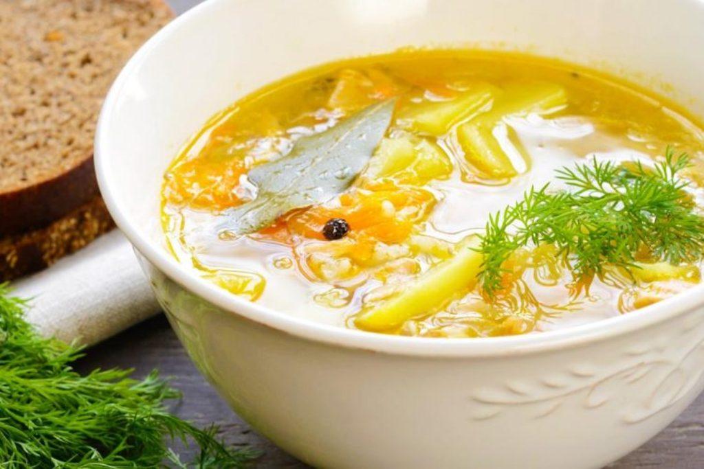 Supë pule me xhenxhefil