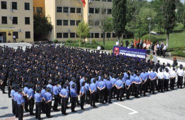 """Deshën të bëheshin """"komisarë"""" duke kopjuar, kreu i Policisë e shpall testimin e pavlefshëm"""