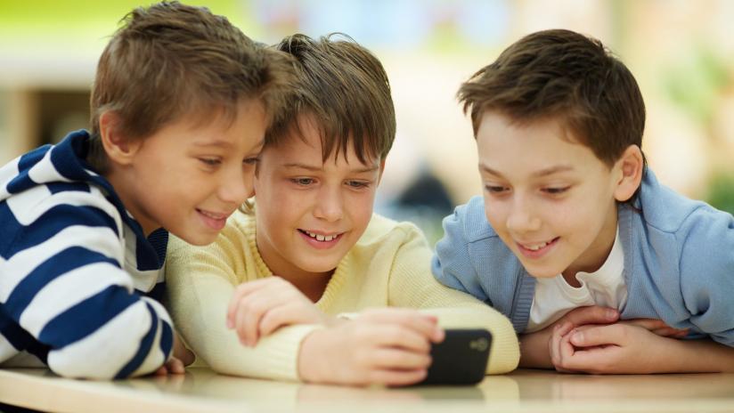 Qëndrimi në internet, fëmijët të rrezikuar nga pedofilët