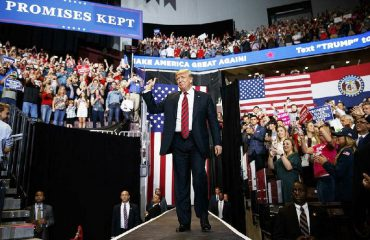SHBA, një ditë para zgjedhjeve për në Kongres, Trump kërkon që republikanët e tij të mbajnë shumicën në të dyja dhomat e Kongresit