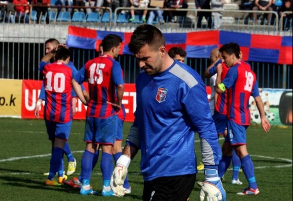 """Kategoria I/Sherri i dëshpëruar pas fitores bindëse, Vllaznia """"tradhton"""" portierin"""