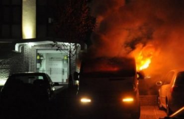 Digjet hoteli në Sarandë, zjarri shkakton vetëm dëme materiale