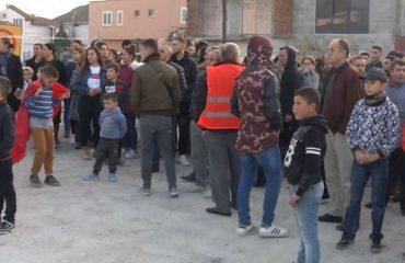 PËRHAPJA/ Bregu i Lumit, edhe banorët e tij në protestë kundër shembjes së banesave