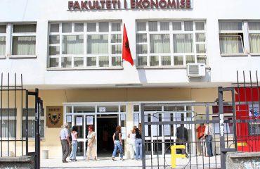 Fakulteti Ekonomisë vendos se nuk do të paguajnë tarifat deri në plotësimin e 8 kërkesave