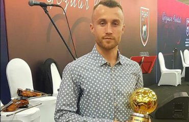"""""""Lojtari i vitit 2018""""/ Lorenc Trashi: Çmimin ia dedikoj familjes dhe ekipit"""