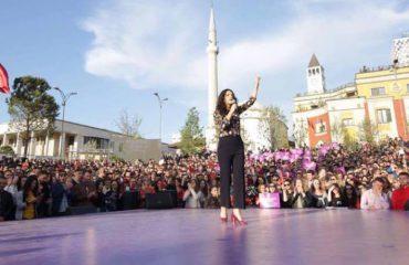 """""""ANTENA JASHTË FAMILJES""""/ Shoqja Elisa Spiropali zbulon: Skënderbeu nuk donte arsim falas!"""