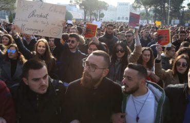 REPORTAZH/ Një ditë mes studentëve, problemet që i nxorën në protestë