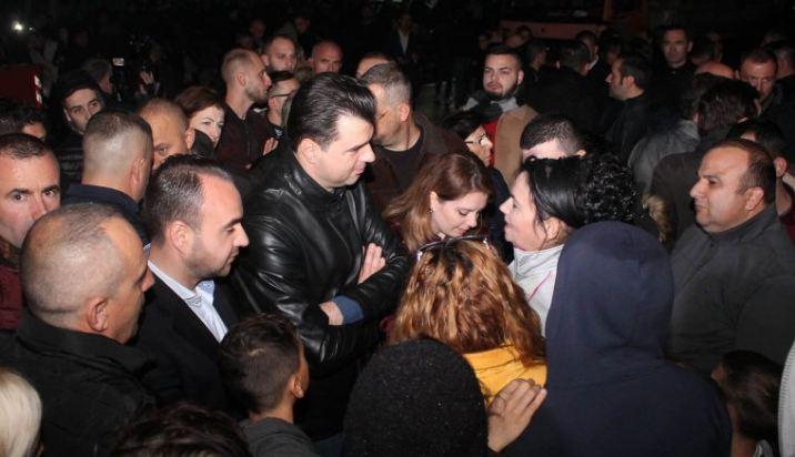 Protesta e banorëve tek Unaza e re, Basha: Të bashkuar do të fitojmë kundër hajdutëve