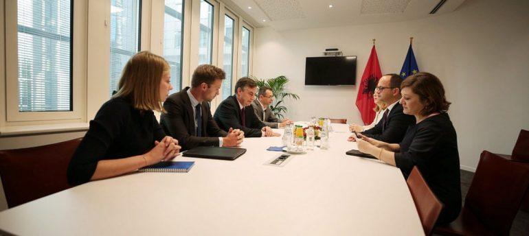 INTEGRIMI/ McAllister: Hapja e negociatave me Shqipërinë, në interes të vetë BE-së