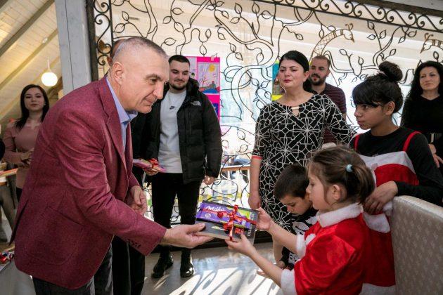 Presidenti te Fshati SOS: Urime dhe kujdes i shtuar ndaj fëmijëve
