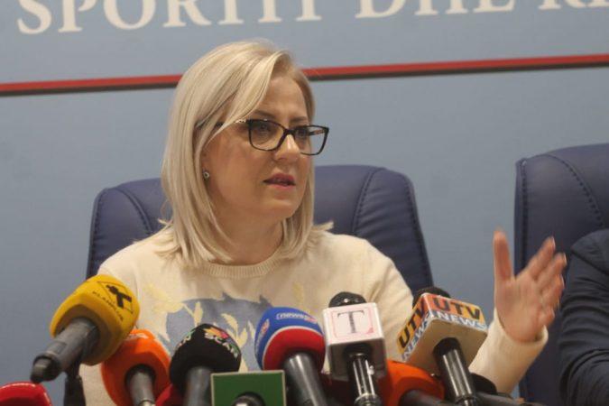 Intervista/ Ministrja Nikolla flet për protestën e studentëve për tarifat dhe ligjin e Arsimit të Lartë