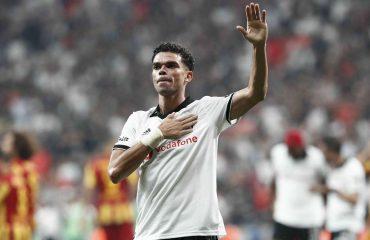 """""""Besiktas"""" në krizë financiare, Pepe paguan në shenjë falënderimi kuzhinierët dhe stafin"""