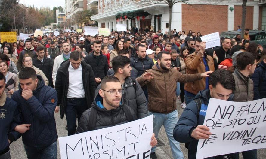 Lëvizja për Universitetin kërkoi të shfuqizohet ligji për arsimin e lartë