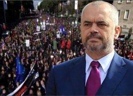 Kryeministri Mbetem me studentët, nuk do ndalemi