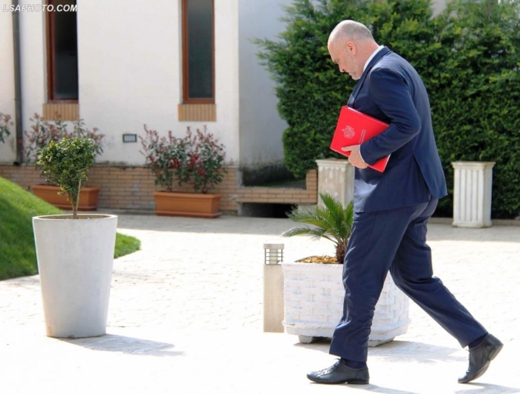Deputeti: Çfarë fshihet pas vendimit të Ramës që bëri Shalsin ministër, mos vallë rikthimi tek Kina?!
