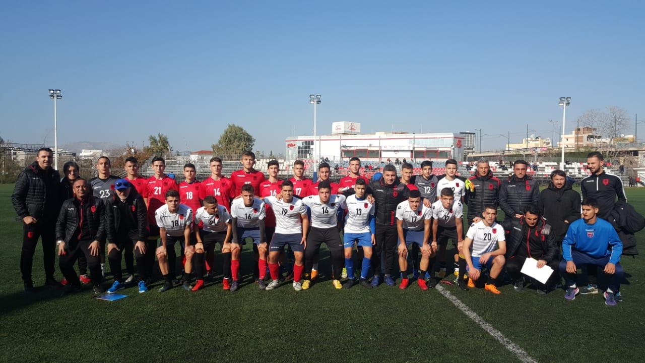 Mision kuqezi/ FSHF dërgon në Athinë të gjithë trajnerët e kombëtareve