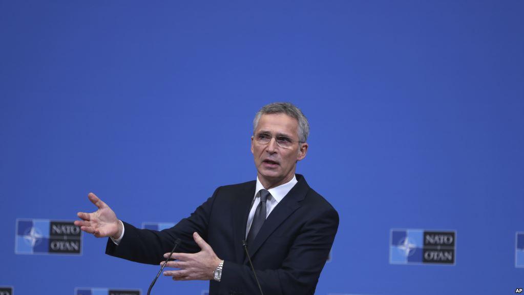 Stoltenberg, paralajmërim Kosovës për ushtrinë