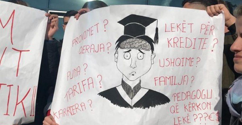 Studentët shqiptarë me shpenzimet më të larta për arsim në gjithë Europën, gati 4 herë më shumë