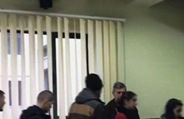 Bojkotuan takimin me rektorin, Këshilli Studentor i UF Korçë: Ishte një farsë, një show, një intrigë për të ndalur studentët
