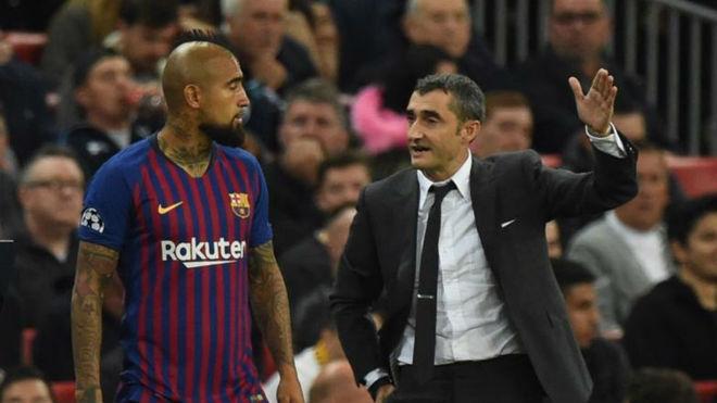 Barelonës i duhet një sulmues, sytë e Valverdes nga Vidal