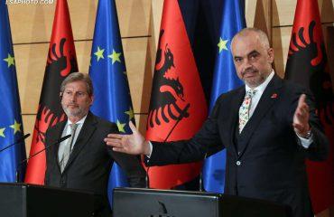 Hahn tha se shpresonte për një vendim për negociatat nga tetori, Rama e quan këtë lajm pozitiv nga Europa