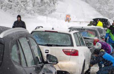 """""""Zbardhet"""" edhe Jugu i Italisë/ Alarm nga orteqet në Alpet e Europës, të paktën 7 të vdekur në fundjavë"""