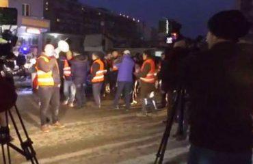 """Dita e 72-të e protestës, banorët e """"Astir"""": """"Edi Rama, Erion Veliaj, ikni nga Shqipëria!"""""""