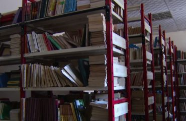 """Biblioteka tek Fakulteti Histori-Filologjisë """"bosh"""", pedegogia: Shteti nuk financon"""