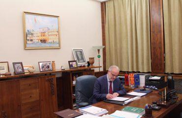 Ligji me firmën e Xhaferit, gjuha shqipe nga sot zyrtare në Maqedoni
