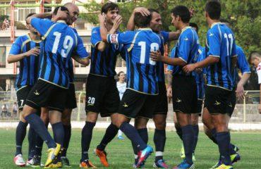 Debutimi në Laç/ Surprizë trajnerit Ahmataj, Luftëtari merr mbrojtësin grek