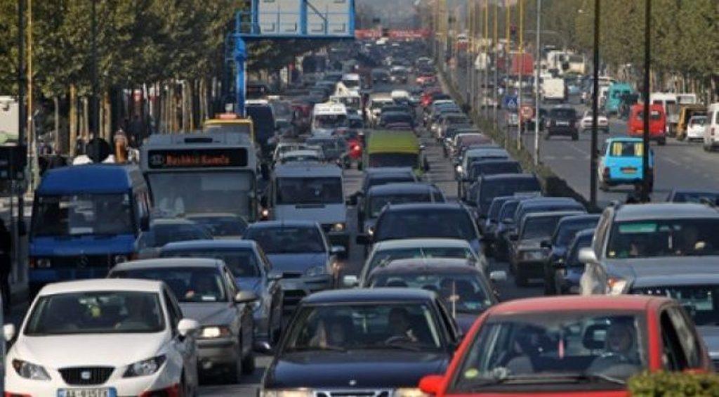 Qeveria, paketë për ndryshimin e përllogaritjes së taksës për automjetet