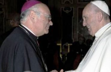 """Arqipekshvi i Shkodrës, përcjell mesazhin e Papës për deputetët: """"Politika e mirë, në shërbim të paqes"""""""