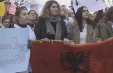 ZDF: Studentët nuk kanë më besim tek elita e korruptuar politike, sistemi universitar kërkon reformim tërësor