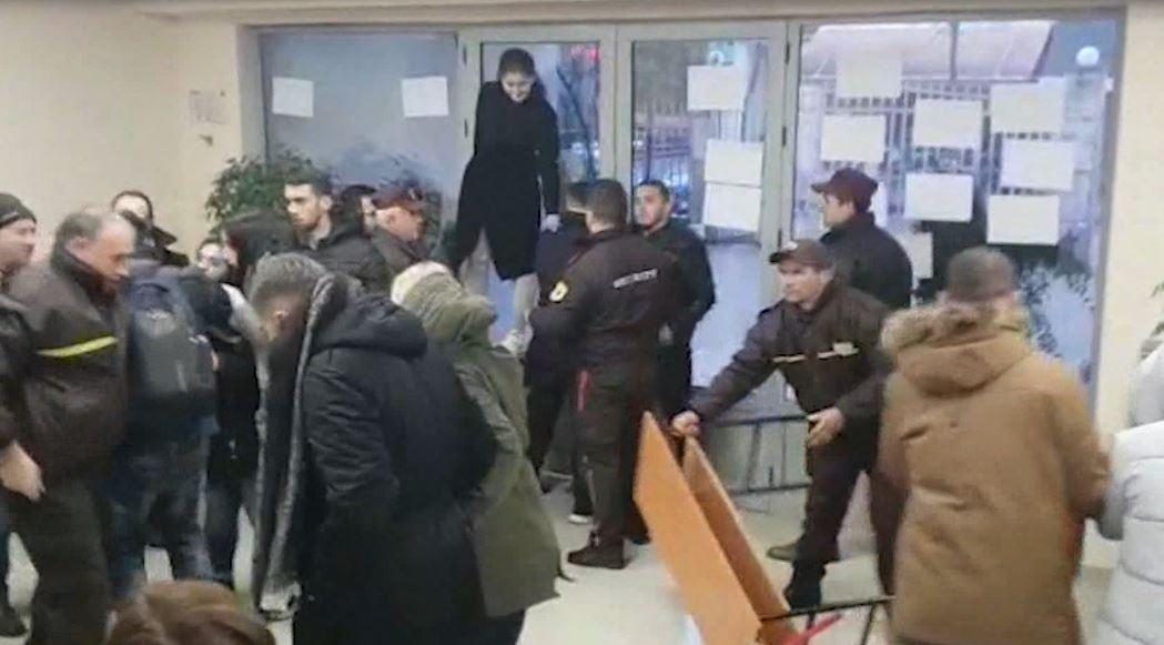 Pedagogët e Ekonomikut dënojnë ndërhyrjen e policisë dhe dhunën ndaj studentëve