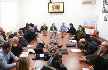 Kërkimet për naftë në Zagori, gazetarë dhe ambjentalistë firmosin kundër