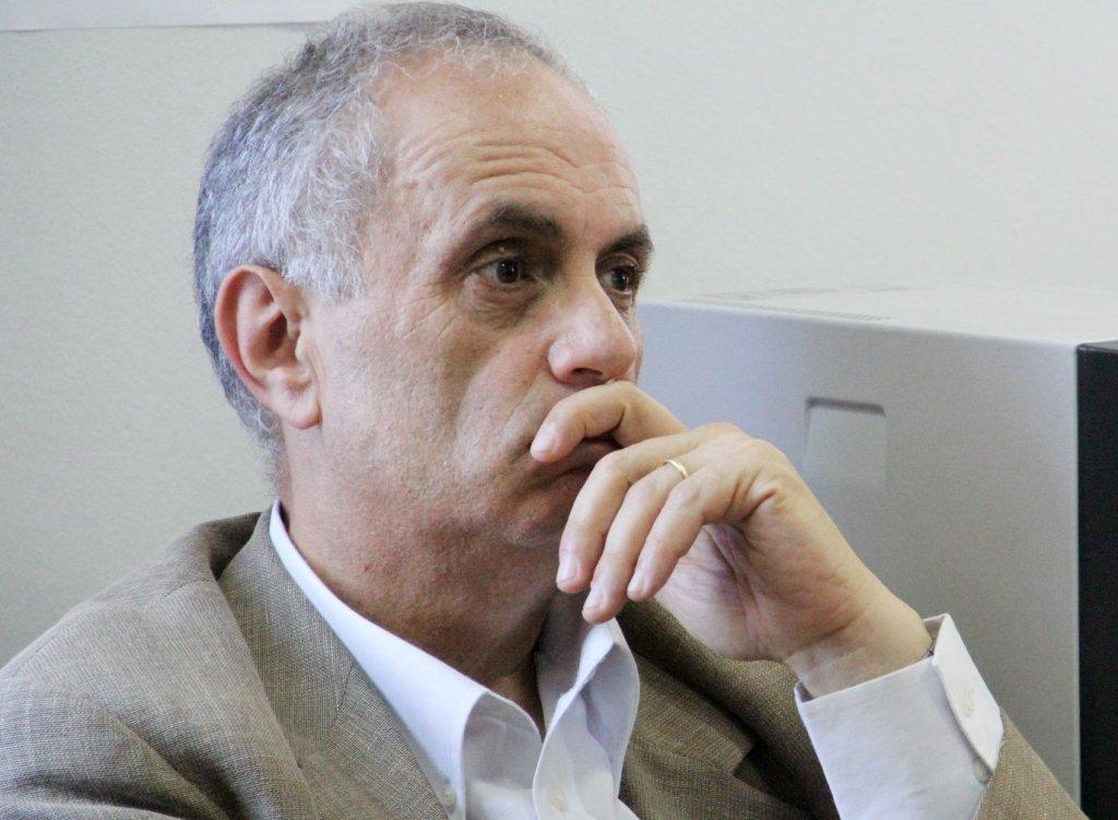Artan Fuga: Në Shqipëri hiqu si budalla, bëhesh deputet, ambasador!