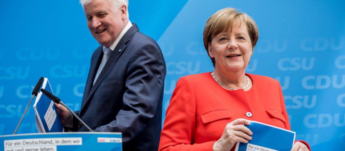 CDU/CSU reagon për lënien e mandateve: Tani janë mbledhur retë e errëta, protestat paralizojnë qeverinë
