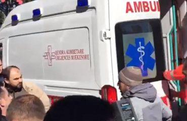 Ministria e Shëndetësisë: Dy policë të plagosur me mjete të forta, katër protestues të trajtuar tek Toksikologjia