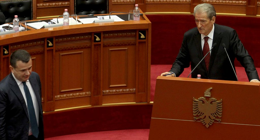 """BATUTAT/ Berisha dhe Balla debatojnë në Kuvendin e Shqipërisë... për """"argatët"""" e Serbisë"""