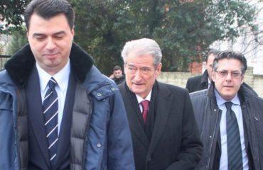 PRITET VENDIMI/ Djegia e mandateve të opozitës, PD, LSI dhe PS mbledhin grupet parlamentare